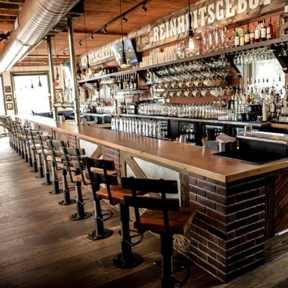 Cafe bar retail contractor buildouts Toronto
